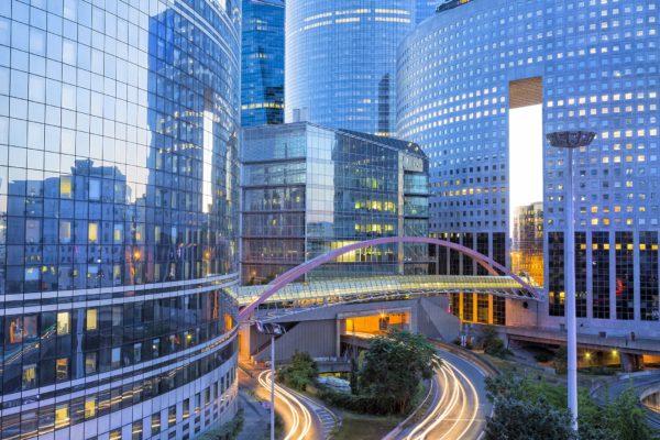 L'éclairage des bureaux peut faire l'objet d'un contrat de location.
