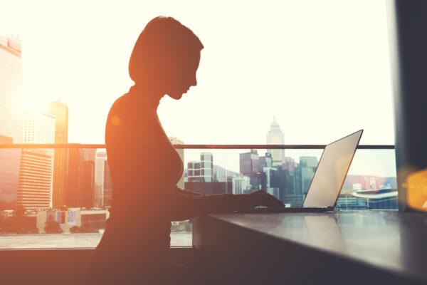 En louant sonleur parc informatique, lesvotre entreprises s'assurent de rester à la page technologique... et de bénéficier d'avantages fiscaux.